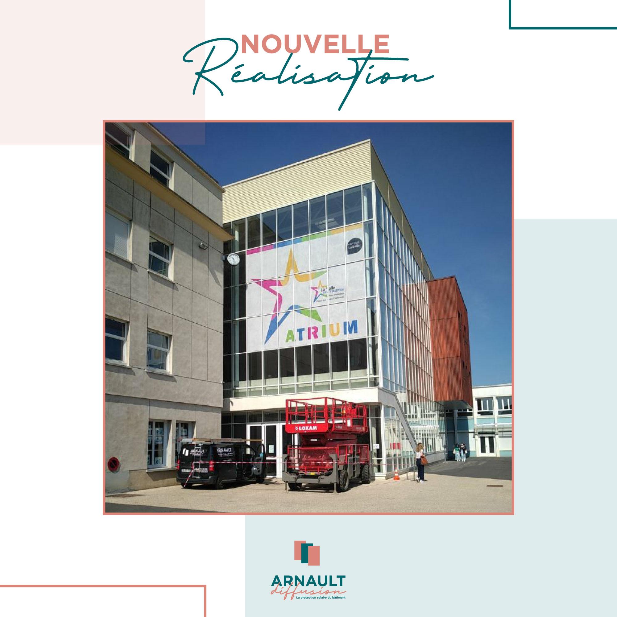 Pose de films microperforés - Arnault Diffusion - Protection solaire du bâtiment